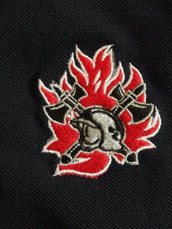 polosweater met logo geborduurd oude vlam nieuwe helm