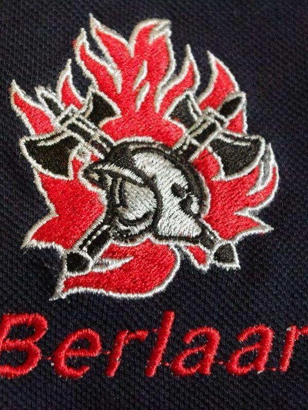 sweater met borduur oude vlam nieuwe helm + korpsnaam + naam